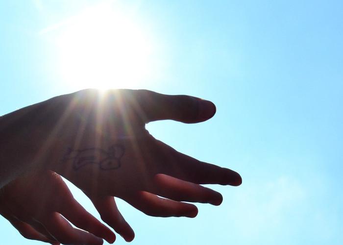 hands-1384735_1280