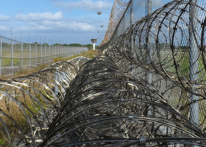 prison-fence-218459_1280